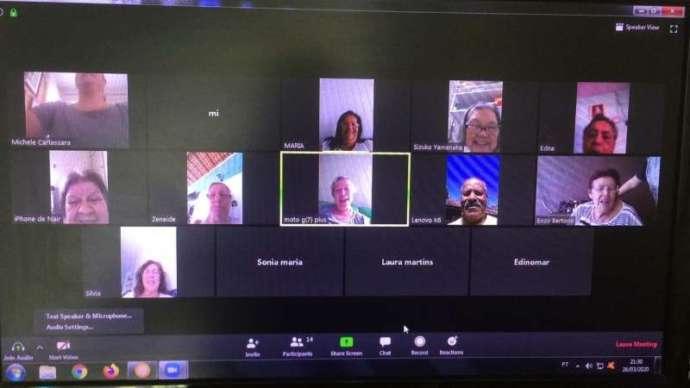 Idosos do CCI de São Roque driblam a distância com reuniões por videoconferência