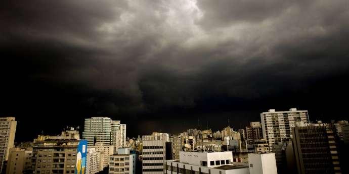 Previsão do tempo: SP terá chuva forte no feriado prolongado