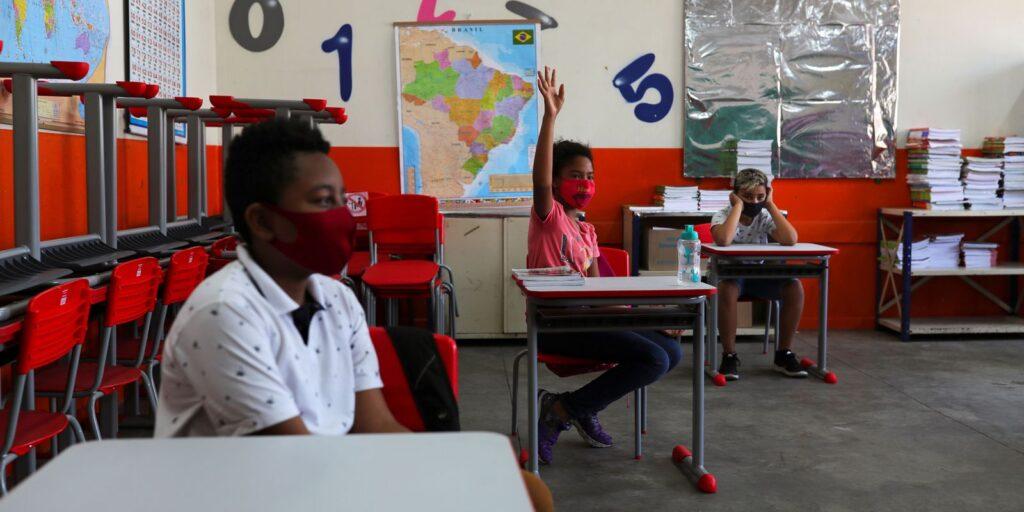 Fase Vermelha: aulas presenciais na rede estadual de SP voltam dia 14