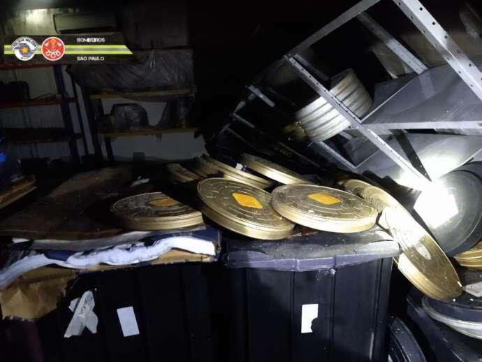 Imagens do galpão da Cinemateca Brasileira após incêndio