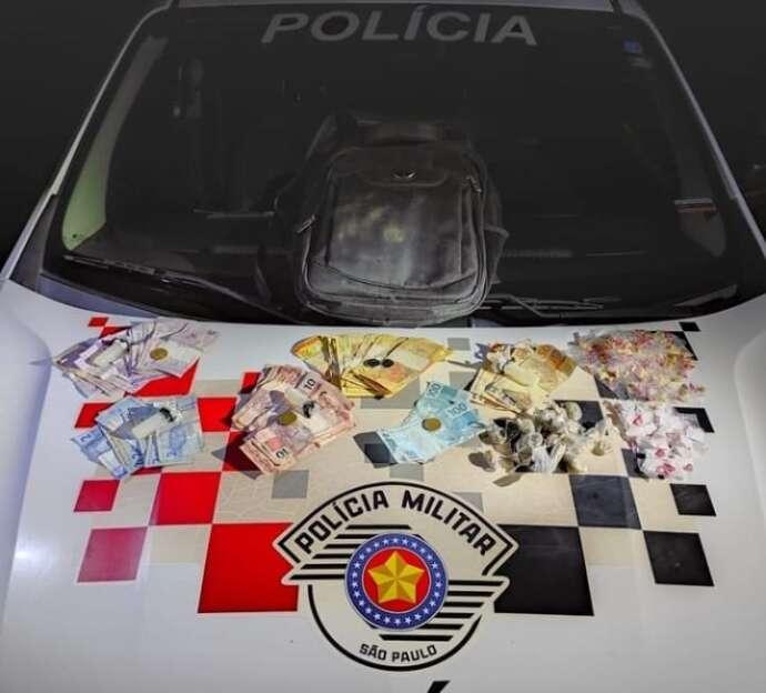Adolescente é pego com R$ 1.295 em drogas e resiste à prisão no Goianã