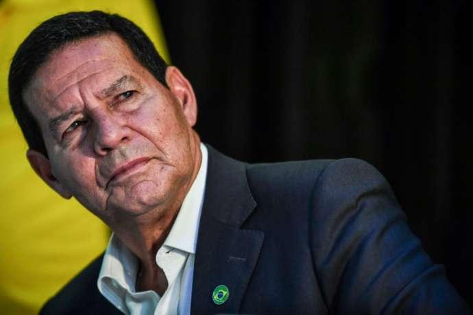 General Mourão assume a Presidência