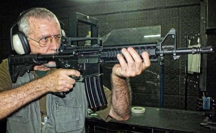 Taurus diz ter fila de 2 mil clientes para comprar fuzil liberado por decreto