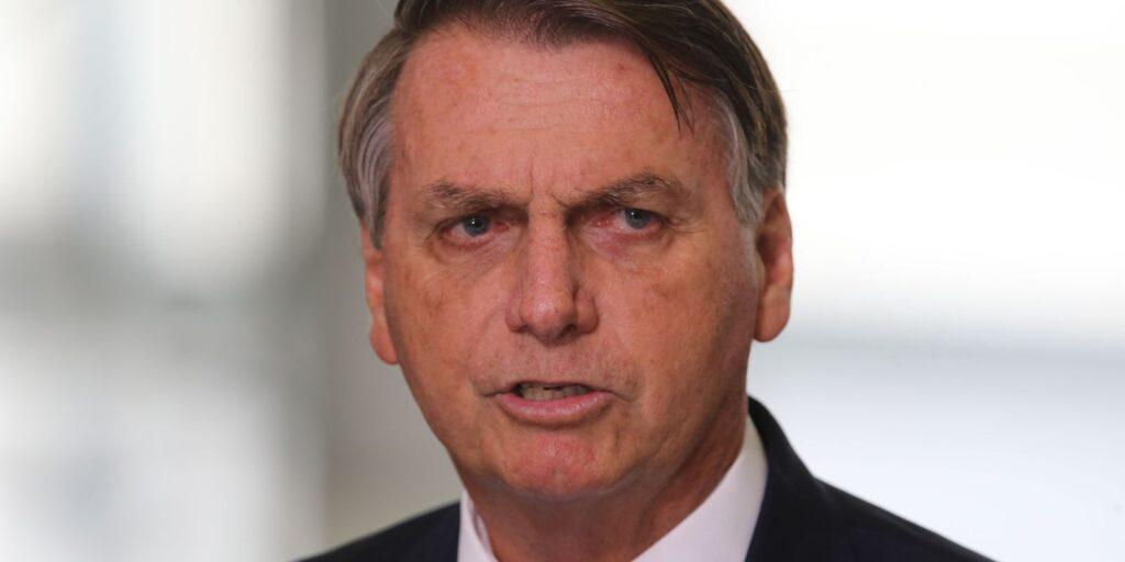 Bolsonaro lamenta eleição de Castillo para o Peru