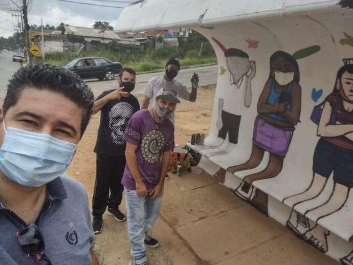 Projeto Cultura Urbana revitaliza pontos de ônibus em Mairinque com artes em grafite