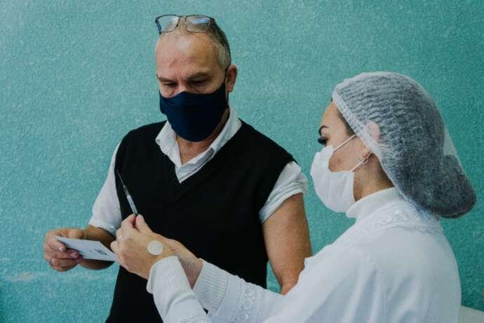 Prefeitura vacina 2ª dose da Pfizer nesta quinta-feira