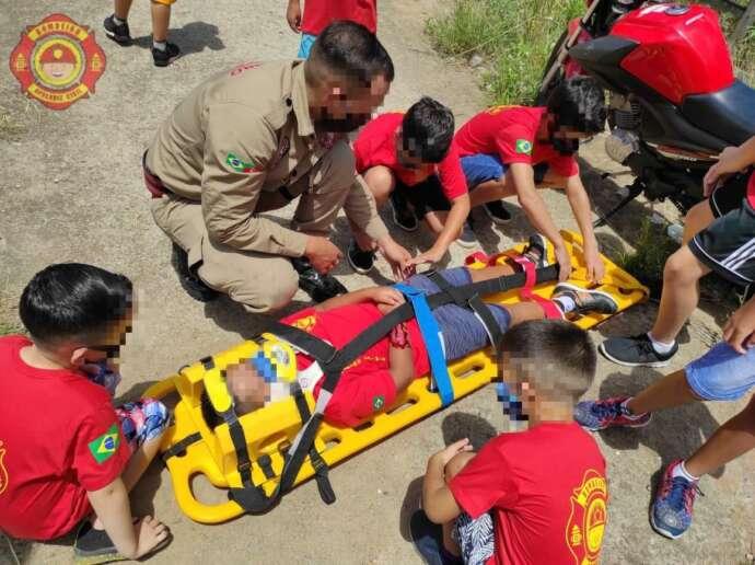 Projeto Bombeiro Aprendiz é realizado em Mairinque